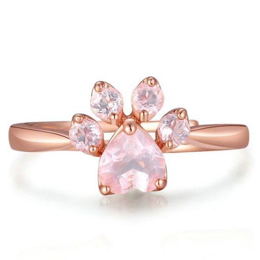 bague-patte-quartz-rose-sur-fond-blanc