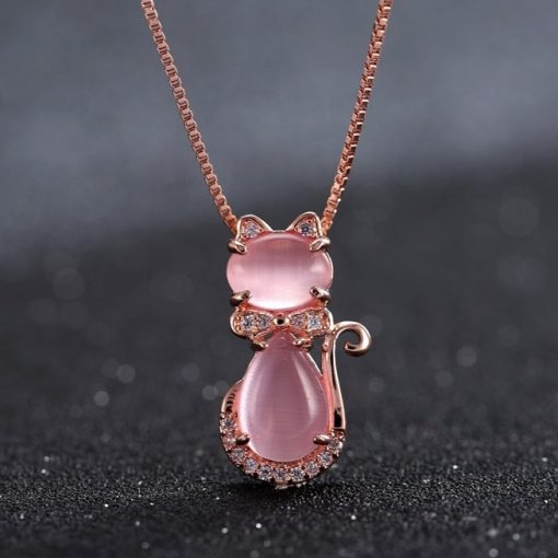 collier-avec-opale-rose-suspendu